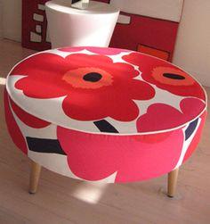 Marimekko's ever popular Unikko design birghtens up this old foot stool! Marimekko Fabric, Piano Stool, Ottoman Sofa, Dinning Chairs, Fabric Wallpaper, Danish Modern, Ottomans, Scandinavian Style, Decoration