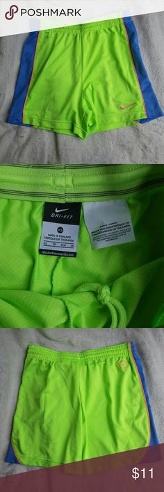 Women's Nike shorts Super cute Nike shorts. These are not lined. Excellent condition. Nike Shorts