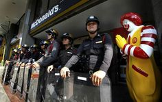 The sad truth about Ronald McDonald (27 pics) - Seriously, For Real?