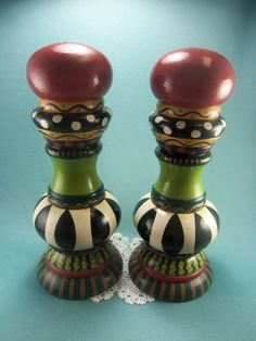 Vintage Large Salt and Pepper Shaker Hand by TheSaltandPepperShop Whimsical Painted Furniture, Painted Chairs, Funky Furniture, Painted Lamp, Hand Painted, Furniture Redo, Upcycled Furniture, Tole Decorative Paintings, Salt And Pepper Mills