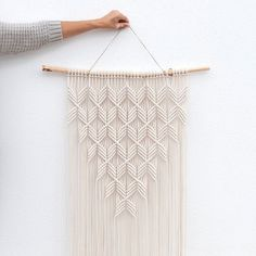 Dimensions wood: W 70 cm Macrame: W 52 cm x H … Hanging handmade macrame wall. Dimensions wood: W 70 cm macrame: W 52 cm x H 120 cm (without hanging cord) Materials cotton rope mm thick) pine … Macrame Wall Hanging Patterns, Macrame Art, Macrame Design, Macrame Projects, Macrame Knots, Macrame Wall Hangings, Macrame Modern, Free Macrame Patterns, Macrame Tutorial