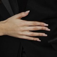 madison-beer-nails-1