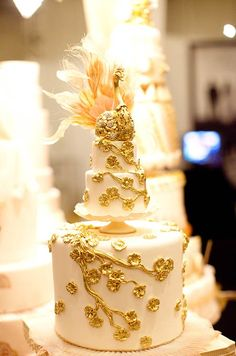 Ornate Wedding Cakes, Wedding Cake Ideas, Inspiration, Intricate Wedding Cakes || Colin Cowie Weddings