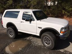 It is not everyday you get to see a cult-classic built with all of the modern specs expected out of a current-generation off roader. That's what makes this Bronco with the heart of a Ford Raptor so special!