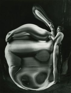 André Kertész :: Distortion nº 4, 1933 more [+] by this photographer more [+] distortions Andre Kertesz, History Of Photography, White Photography, Abstract Photography, Distortion Photography, Reflection Photography, Figure Photography, Monochrome Photography, Film Photography