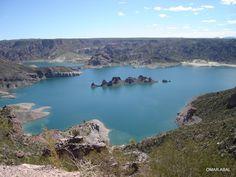 """""""""""ISLA SUBMARINO"""""""" en el lago de Valle Grande, municipio de San Rafael, Mendoza, Argentina"""