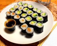 Zoes Sushi, gefüllt mit Tofu, Avocado und Gurke.