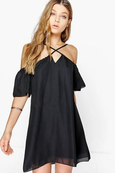 Need a new dress? boohoo's latest range has dresses for special events, nights out & everyday style, from statement maxis, printed midis and jumper dresses. Dress For You, New Dress, Swing Dress, Dress Skirt, Jumper Dress, Online Shopping Clothes, Latest Fashion Trends, Shirt Style, Cold Shoulder Dress