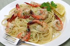 I'm obsessed with this Slow Cooker Shrimp Scampi! #CrockPot #Recipe www.GetCrocked.com