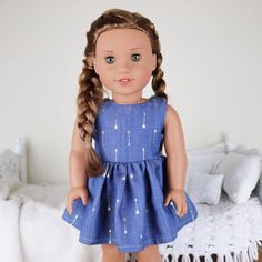 18 inch doll lightweight denim dress with gold metallic arrow print.Doll not included. Original American Girl Dolls, Ropa American Girl, American Girl Doll Costumes, American Girl Doll Room, Custom American Girl Dolls, American Girl Doll Pictures, American Girl Crafts, American Doll Clothes, Girl Doll Clothes