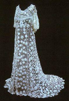 irish crochet wedding dress 12 Crochet Wedding Dresses for Those Summer Weddings