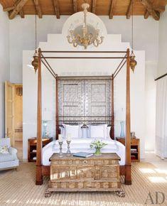 exotic-bedroom-marshall-watson-interiors-san-jos-del-cabo-mexico-201305_1000-watermarked