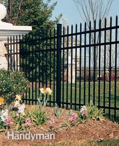 Incredible Garden fence edging,Wooden fence brackets and Front yard fence landscaping ideas. Front Yard Fence, Farm Fence, Pool Fence, Backyard Fences, Garden Fencing, Fenced In Yard, Fence Art, Horse Fence, Aluminum Fence