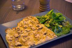La flammekueche aux champignons   La recette est ici :