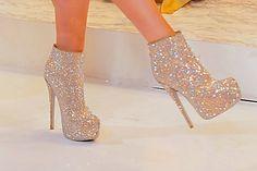 Glitter high-heeled boots!