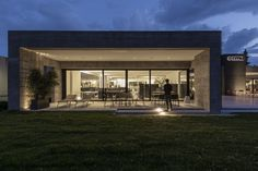 iGuzzini bringing life to some of North America's most acclaimed spaces, through advanced and innovative lighting. Light Architecture, Downlights, North America, Blade, Innovation, Retail, Exterior, Mansions, Lighting