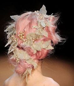super fancy royal classy flower wreath crown with pearls and glitter - Inspirations photo Audrey Kitching