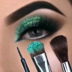 Makeup Eye Looks, Eye Makeup Art, Dark Makeup, Makeup For Green Eyes, No Eyeliner Makeup, Creative Eye Makeup, Colorful Eye Makeup, Bridal Eye Makeup, Makeup Order