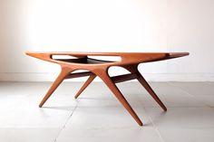 UFO table by Johannes Andersen