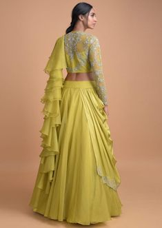 Snot Green Lehenga With A Pre Stitched Ruffle Dupatta And Embellished Crop Top Online Chartreuse Green Lehenga With A Pre Stitched Ruffle Dupatta And Embellished Crop Top Online - Kalki Fashion Party Wear Indian Dresses, Designer Party Wear Dresses, Indian Fashion Dresses, Indian Bridal Outfits, Indian Gowns Dresses, Kurti Designs Party Wear, Dress Indian Style, Lehenga Designs, Indian Designer Outfits