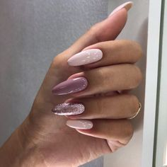 What Christmas manicure to choose for a festive mood - My Nails Classy Nails, Stylish Nails, Fancy Nails, Simple Nails, Trendy Nails, Almond Acrylic Nails, Cute Acrylic Nails, Bright Nails, Pink Nails