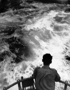 Robert Frank, 1948. Thank you, loverofbeauty & tailfeathers.