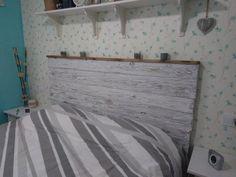 Cabecero rústico, elaborado con tablas y decapado #cabecero #vintage #maderaenvejecida