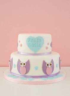 Owl Cake by CakeJournal Pretty Cakes, Cute Cakes, Baby Cakes, Cupcake Cakes, Cupcake Recipes, How To Make Marshmallows, Butterfly Cupcakes, Chocolate Mud Cake, Girl Christening