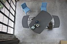 Wonder Bontempi  Design: R&D Bontempi Casa  Mit einem perfekten Mechanismus, einer leichten Bewegung, Wonder transformiert das Material,  erweitert seine Oberfläche, bereit alle Gäste zu empfangen und zu erstaunen.  Wonder ist der ellipsenförmige Tisch mit synchronisierter, teleskopischer und einfacher  Auszugsfunktion, an dem bis zu zw Personen gemütlich Platz nehmen können.  http://www.storeswiss.com/de/prod/tische/wonder-bontempi.html