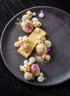 Delaire Graff Restuarant, Stellenbosch: Custard slice infused with toast, praline mousse, caramel popcorn and banana sorbet Gourmet Recipes, Dessert Recipes, Gourmet Desserts, Gourmet Foods, Gourmet Food Plating, Tart Recipes, Healthy Desserts, Food Plating Techniques, Weight Watcher Desserts