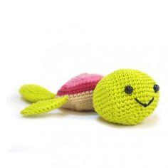 Tortuga amigurumi. Nuestra tortuga Filomena ¡es tan rápida nadando que la perderás de vista antes de acabar de pronunciar su largo nombre!
