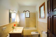 villa-vica-bathroom