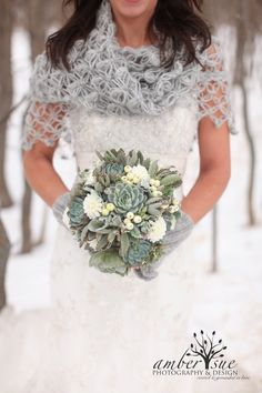 Avoid These Winter Wedding Mistakes — Nirvana Photography Studios. For sure need to remember the coat check one! Love that grey shawl as well www.serenity-weddings.com