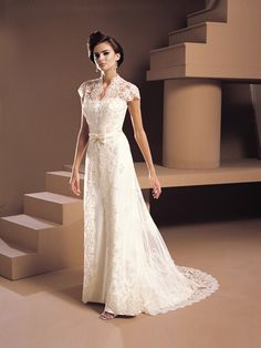 Vintage style wedding dress, available in plus size