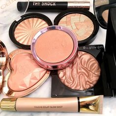 all the highlighters.  ABH/ anastasia beverly hills so hollywood highlight ofra cosmetics rodeo drive too faced blinded by the light 100% Pure gemmed Illumizer highlighter and fruit pigmented blush- natural makeup.