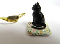 Hantel-Victorian-Miniature-Cat-on-Cushion-Excellent-Condition