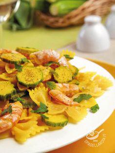 Pasta with prawns and zucchini -Procuratevi ingredienti freschi e di prima scelta: le vostre Farfalle con gamberi e zucchine riscuoteranno un grande successo a tavola!