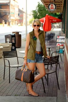 How to Wear a Utility Vest for Spring featuring coral tee, white destructed crop jeans, and Vince Camuto Evel Leather Sandals Vest Outfits, Short Outfits, Casual Outfits, Cute Outfits, Look Fashion, Fashion Outfits, Womens Fashion, Spring Summer Fashion, Spring Outfits