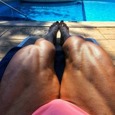Muscular legs! . .GO FOLLOW @FEMALEMUSCLEWORLD . #femalemuscleworld #muscle #legs #bodybulding #love #workout #gym #gymshark #bodyfitness #figure #olympia #helletrevino #fbb #ifbbro #wingsofstrength #saradasfitness