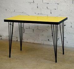 vintage bazar table cuisine formica jaune ann e 60 d co 50 pinterest table cuisine. Black Bedroom Furniture Sets. Home Design Ideas