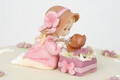 Little girl and kitten in the box - Cake by Olga Danilova