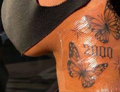 Girl Neck Tattoos, Dope Tattoos For Women, Black Girls With Tattoos, Red Ink Tattoos, Sleeve Tattoos For Women, Body Art Tattoos, Cute Hand Tattoos, Dainty Tattoos, Girly Tattoos