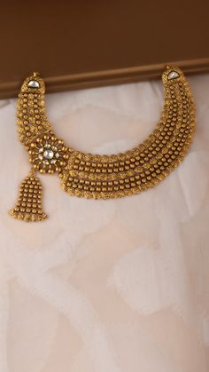Bridal Jewelry, Gold Jewelry, Gold Mangalsutra Designs, Antique Jewellery Designs, Necklace Set, Gold Necklace, Gold Beads, Art, Weddings