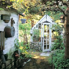 Potting sheds and greenhouses offer beautiful backyard focal points as well as a place to work and relax / green home / pin-dog