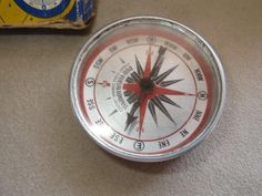 VINTAGE Duo-Versal Compass with Signal Mirror In Original Box ~ Boy / Girl Scout