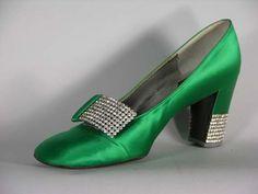 dior 1960s shoes Retro Shoes, Vintage Shoes, Vintage Accessories, Vintage Outfits, Fashion Accessories, Women Accessories, Satin Shoes, Dior Shoes, Satin Pumps