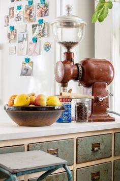 Johanna Levomäki Kitchen Aid Mixer, Kitchen Appliances, Lifestyle, Diy Kitchen Appliances, Home Appliances, Kitchen Gadgets
