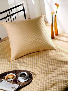 silk-bedding-cellini-design-seidenbettwaesche-113 #Silk pillow case, bedsheet and duvet cover made in Germany by #Cellini Design. Custom sizes possible. #Seidenbettwäsche aus reiner #Seide von #Spinnhütte Cellini Design aus Deutschland.