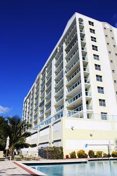 Building Rental Solutions, Sunny Isles Beach, Beach Vacation Rentals, Condominium, South Beach, Multi Story Building, The Unit, Explore, Exploring