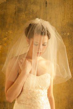 Kata Banko Couture Bridal Accessories | Photograph by La Candella Weddings  http://storyboardwedding.com/bridal-accessories-kata-banko-couture/